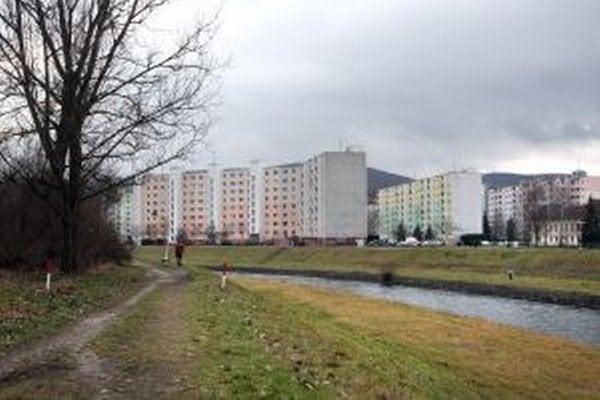 Bytová výstavba mala pokračovať aj medzi riekou Hron a tzv. elektrárenským kanálom.