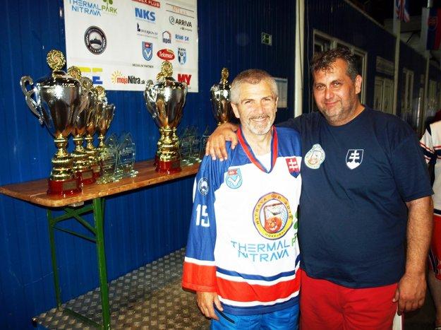 Hlavní organizátori Nitrava Cupu sú Miloš Dovičovič (vľavo) a Juraj Bubák.