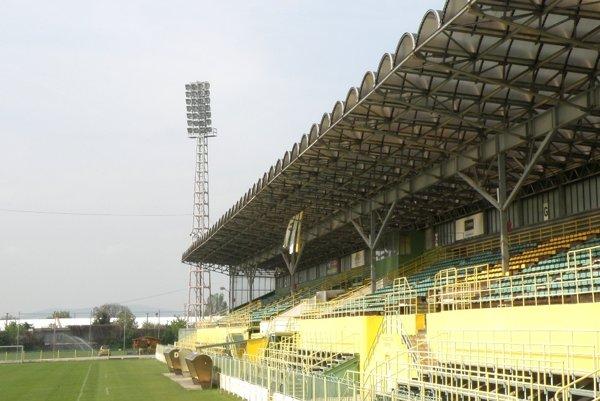 Futbalový štadión čaká rozsiahla rekonštrukcia.