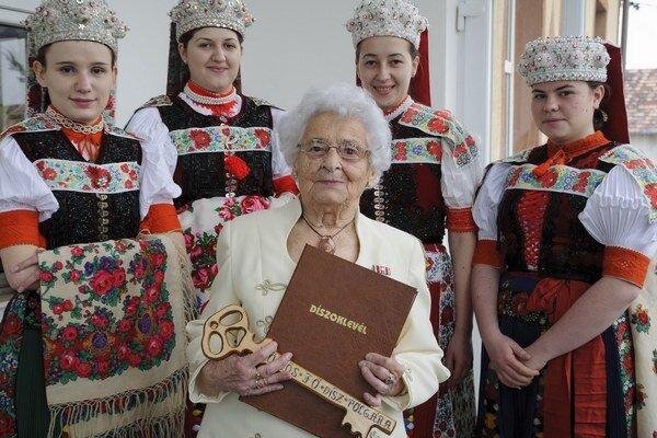 Ilona Tamásová miluje svoj rodný Gemer. Dňa 16. mája oslávi 104 rokov.