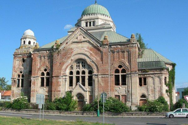 Lučenecká synagóga.