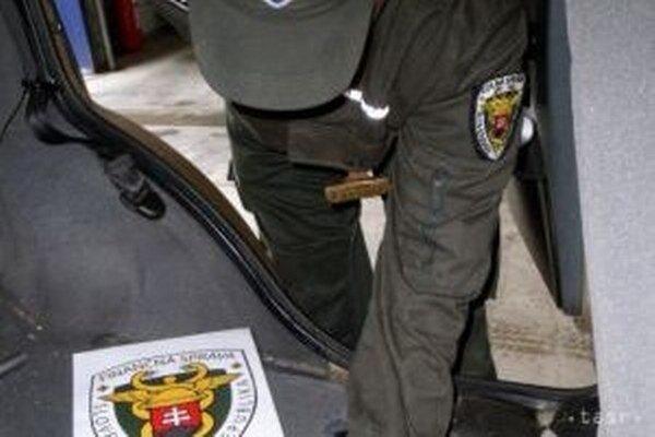 Na účtovníctvo dvoch podnikateľov z kysuckého regiónu sa zamerali žilinskí colníci.
