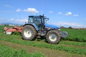 Poľnohospodári začali so zelenou žatvou.