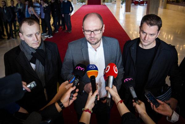 Opozícia Borisa Kollára na oficiálnu spoluprácu neoslovila. Do vlády s ním ísť chcela.