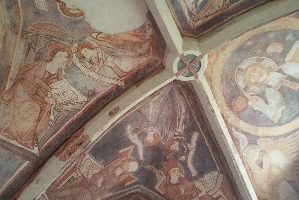 Fresky z Rimavského Brezova.
