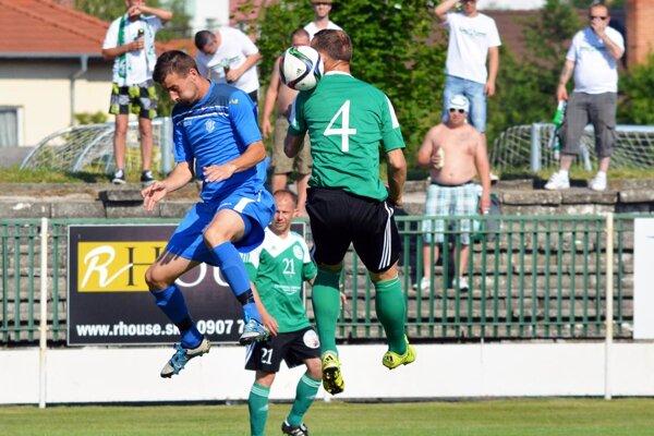 Veľký Meder porazil zachraňujúcu sa Dubnicu 1:0.