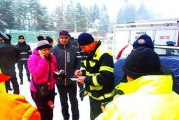 Pri pátracej akcii pomáhali aj hasiči z Korne.