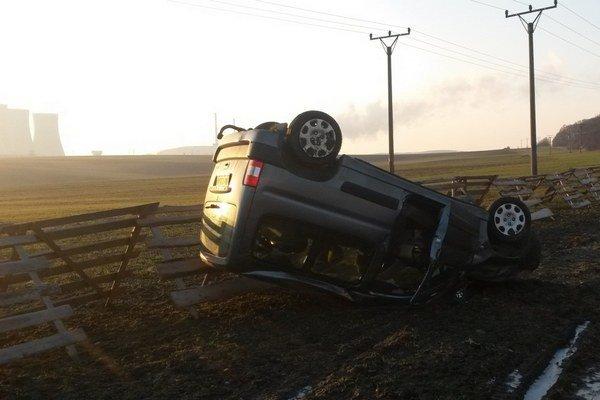 V jediný deň mali levickí hasiči až desať zásahov. najčastejšie vyrážali k dopravným nehodám.