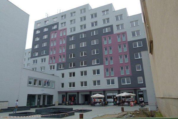 Mesto chcelo získať 58 bytov v niekdajšom hotelovom komplexe v centre Levíc. Na ich kúpu ale nedostalo dotáciu z ministerstva.