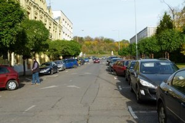 Schválenie konečného návrhu koncepcie parkovania je v rukách poslancov mestského zastupiteľstva.