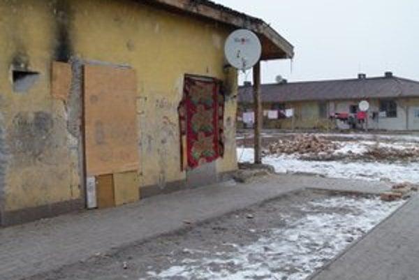 Pred desiatimi rokmi vysťahovali na Ladislavov Dvor neplatičov z Levíc do novopostavených domov.