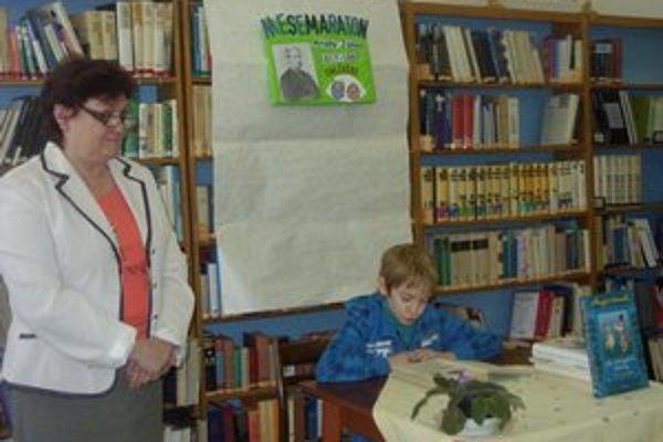 Deti v Šahách sa zapojili do maratónu v čítaní.