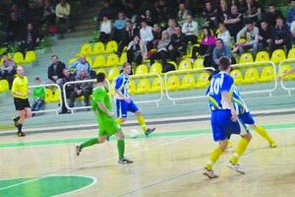 Fotografia z posledného zápasu turnaja medzi Levicami a Veľkými Ludincami, ktorý rozhodol o víťazovi turnaja. Stali sa ním Veľké Ludince.