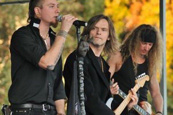 Skupina MadDogX vystúpila na Levickom jarmoku.