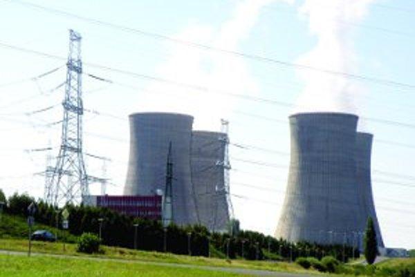 Slovenské elektrárne zaplatia pre nedostatky v mochovskej elektrárni, ktorú prevádzkujú, historicky najvyššiu pokutu stotisíc eur.
