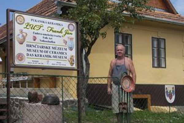 Ján Frank pochádzal zo starej pukanskej hrnčiarskej dynastie.