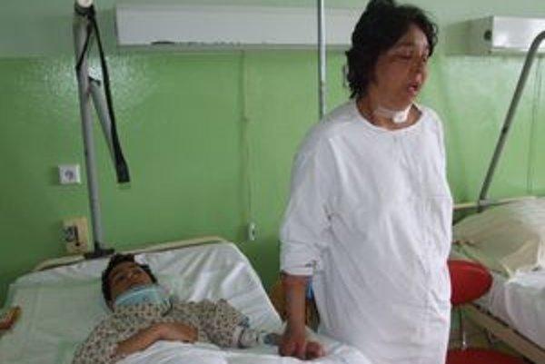 Matku so synom museli hospitalizovať v levickej nemocnici.