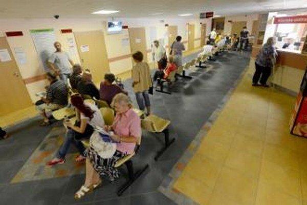 Na pohotovostné služby v Malackách stále dopláca nemocnica.