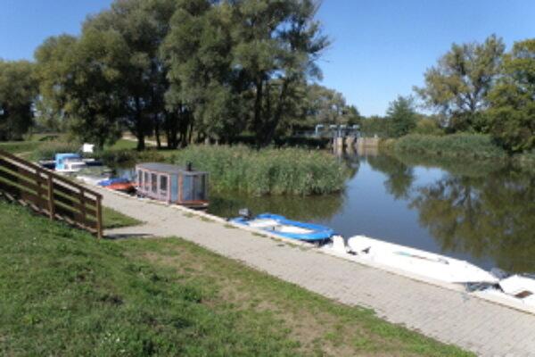 Baťov kanál, prístav Skalica.