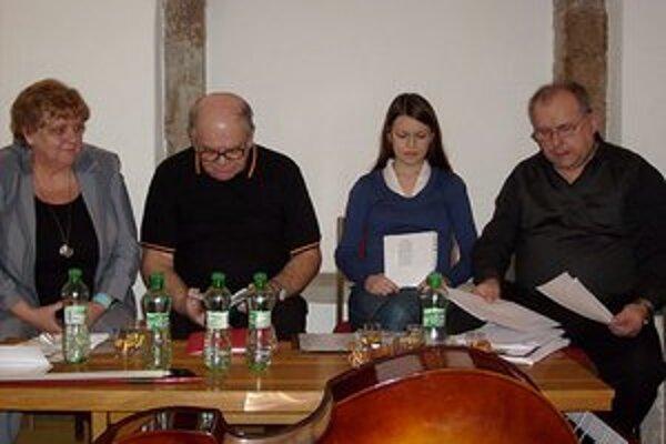 Z čítania Klubu autorov a priateľov literatúry na Záhorí z Holíča.