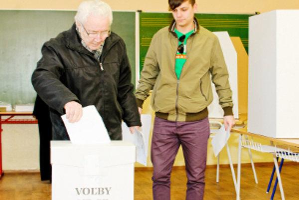 Kúťania mohli popri voľbách hlasovať o pridelení dotácií. Na jeden hlas pripadalo 10 eur.