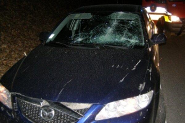 Poškodená Mazda.