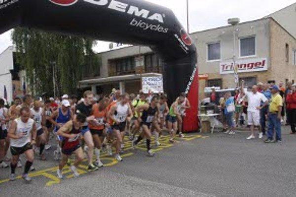 Maratón odštartoval s rekordnou účasťou.
