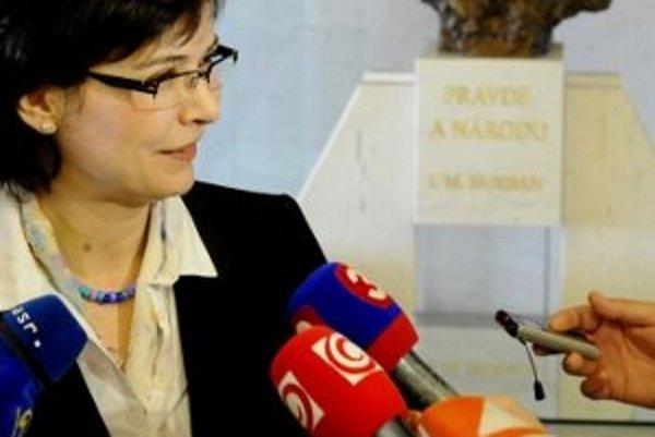Zverejňovanie povinných dokumentov by podľa ministerky spravodlivosti Lucie Žitňanskej nemalo organizácie zaťažovať prílišnou byrokraciou.