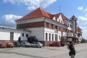 Hlavná budova stanice v Kútoch.