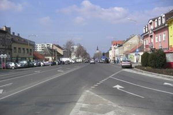 Hlavná ulica v Malackách.