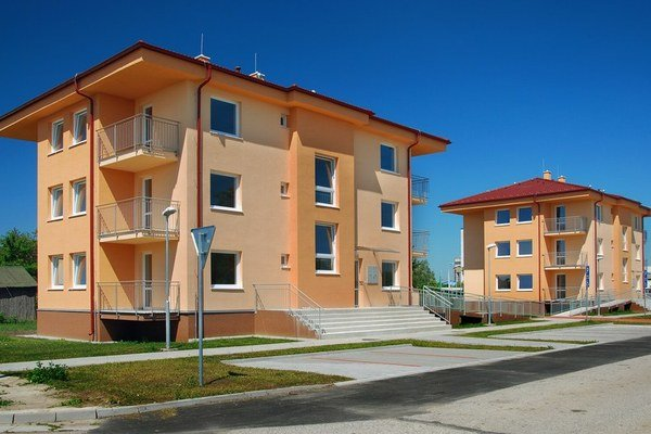 Nové bytovky v Šuranoch.