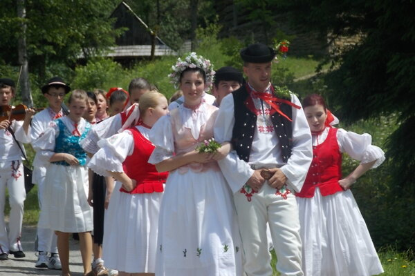 Návštevníci kysuckého skanzenu si budú môcť pozrieť pravú kysuckú svadbu.