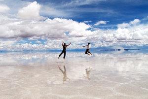 Obrovské zrkadlo ponúka pre fotografov množstvo zábavy..