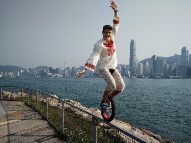 Matej v Hongkongu.