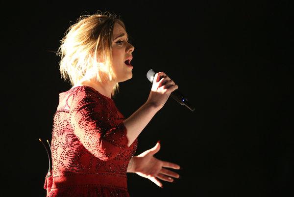Adele uspela so svojím albumom, ale do singlového rebríčka sa nedostala.