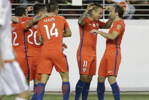 Hlavnou hviezdou večera bol čilský útočník nemeckého Hoffenheimu Eduardo Vargas (č. 11).