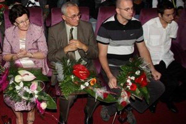 V prvom rade sedeli držitelia tohtoročného najvyššieho ocenenia - Ceny mesta Pro Urbe.