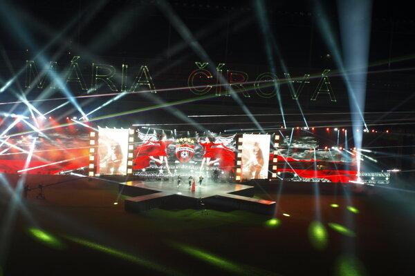 Hudobné vystúpenia boli v City Arene pri jej otvorení.