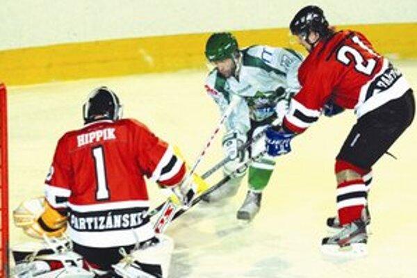 Zo zápasu Novozámčanov v uplynulej sezóne.