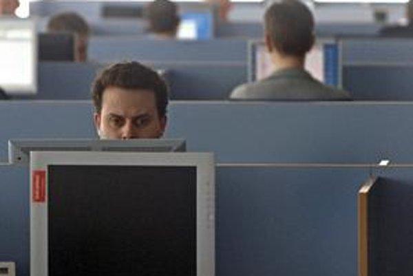 O kontrole svojich emailov sa najskôr dozviete z prerieknutia svojho šéfa.