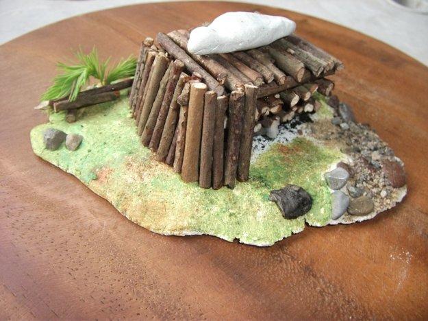 Rekonštrukcia kremácie zosnulého v mladšej dobe bronzovej.