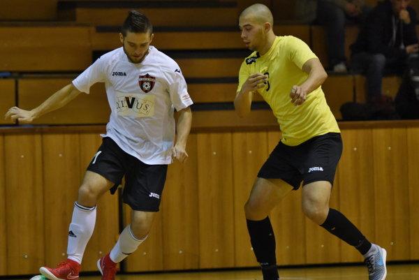 Marek Pecho (vľavo), korigoval stav stretnutia na 2:3, no v závere sa mu nepodarilo vyrovnať.