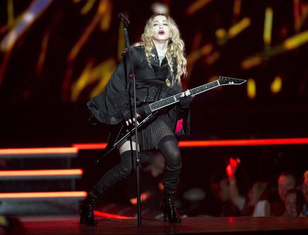 Madonna počas vystúpenia v Kanade.
