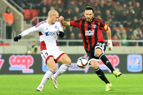 Milan Rundič (vľavo) si naposledy obliekal dres AS Trenčín.