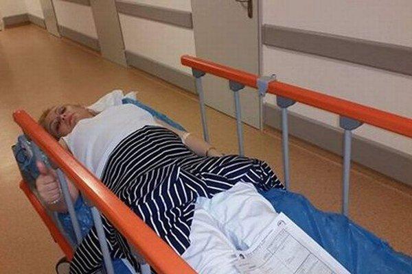 Starostku odviezla záchranka. Leží v nemocnici.