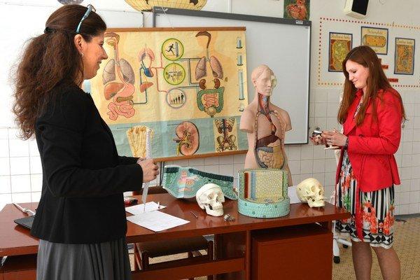 Simona Juhásová maturuje. Na biológii rozoberala plazy, vtáky, baktérie a vírusy.