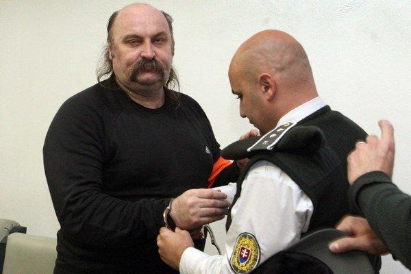 Mikuláš Vareha. Od štátu žiada tisíce eur.