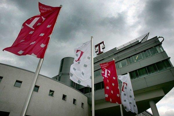 Rakúšania pohľadávku voči Telekomu posunuli britskej firme so slovenskými konateľmi.