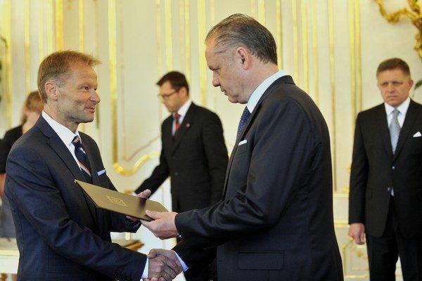 Prezident Andrej Kiska vymenoval Vazila Hudáka na post ministra hospodárstva.