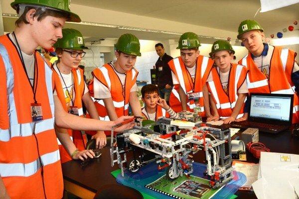 Mladých toto odvetvie zaujíma. Hobby môže prerásť v povolanie.